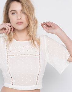 TOP WITH FRONT INSERTION LACE - BLOUSES & SHIRTS - WOMAN - PULL&BEAR Poland