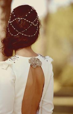 #tocados en cadenas, pedrería y perlas. #novias  https://www.facebook.com/pages/Tocados-Para-Novias/153532794708647
