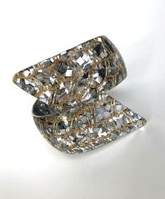 Vintage Confetti Lucite Bracelet Clamper Silver Gold Unique | Etsy Vintage Brooches, Vintage Earrings, Vintage Jewelry, Unique Jewelry, Vintage Gifts, Unique Vintage, Art Deco Necklace, Plastic Jewelry, Silver Necklaces