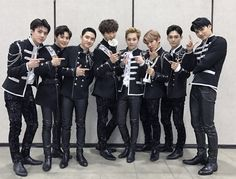 """""""Every road that EXO takes is filled with the Milky Way made by the EXO-L. Thanks to EXO-L who makes EXO shine everytime, today EXO shined high like a bright star. Thank you always~"""" Official Website Update - Staff Diary, 170114 ♥ I trans © sment_exo Kaisoo, Baekhyun Chanyeol, Chanbaek, Exo Chen, Kris Wu, K Pop, Exo Group Photo, Exo 2017, Exo Monster"""