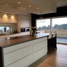 kjøkkenøy løsninger - Google-søk Kitchen Island, Kitchen Cabinets, House, Home Decor, Kitchens, Garden, Houses, Island Kitchen, Garten
