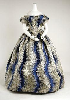 Evening Dress (1855-1858), The Metropolitan Museum of Art.