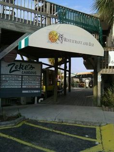 Wolf Bay Lodge, Orange Beach, Al-Their Bahama Mamas and their Oysters are the best!