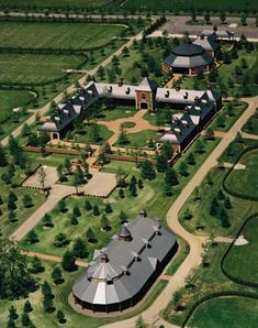 Hill 'N' Dale is a full service throughbred stallion facility located in Lexington, KY. Dream Stables, Dream Barn, Minecraft Horse Stables, Rinder Stall, Horse Barn Designs, Horse Barn Plans, Farm Layout, Montana Ranch, Horse Ranch