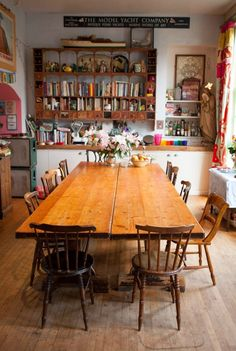Love this kitchen table! Rustic yet modern, eclectic yet bohemian. Learn how to stage a dining room with NYIAD: http://www.nyiad.edu/design-articles/archive/staging-a-dining-room