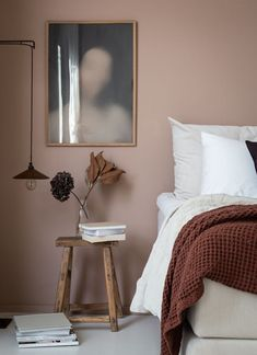 Dusty pink bedroom walls 00045 Published September 2019 at in Trackbacks are closed, but you can .Your email address will not be published. Required fields are mark Dusty Pink Bedroom, Pink Bedroom Walls, Best Bedroom Paint Colors, Pink Walls, Home Bedroom, Bedroom Decor, Wall Decor, Warm Bedroom Colors, Modern Bedroom