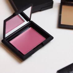 Sleek crème to powder blush. Pink blusher. Cream pink blusher. Sleek makeup.