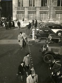 Chamade - Vintage French Photos - Robert Doisneau - Paris 1950s