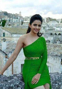 Rakul Preet Singh HD Photos, Wallpapers, Stills 8 Bollywood Actress Hot Photos, Beautiful Bollywood Actress, Beautiful Actresses, Actress Photos, Girl Photo Shoots, Girl Photos, Hd Photos, Beautiful Girl Indian, Most Beautiful Indian Actress