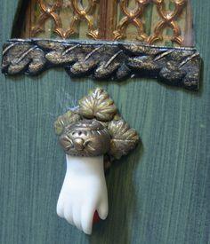 ULLABENULLA: Cottage Door Detail!