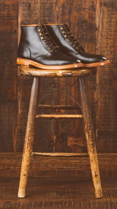 Components Leo last Aniline pull-up cow upper tanned by Horween Full grain leather cow lining from Milwaukee, WI Brass eyelets Vegetable tanned leather insole, welt, midsole and outsole Cork filler with steel shank Full grain leather heel counters Grant Stone Boot