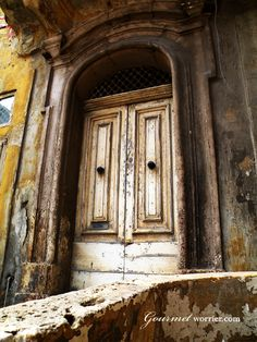 Valletta in decay, Malta via @Nanette * Gourmet Worrier