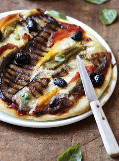 Pizza aux légumes grillés - Grilled veggies and habanero pizza