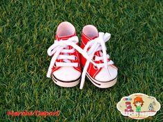 Color rojo Chuck Taylor Sneakers, Chuck Taylors, Color, Shoes, Fashion, Sports, Colour, Zapatos, Moda
