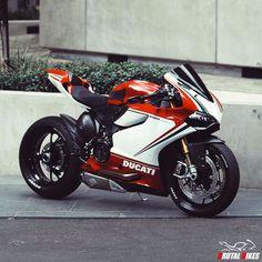 "2,929 Likes, 11 Comments - ● SuperSport Motorcycles ● (@brutal_bikes) on Instagram: ""@oli.coulthard @jo_el.g Brutal! | #brutalbikes #superbike #bikeporn #ducati #1199 #panigale"""