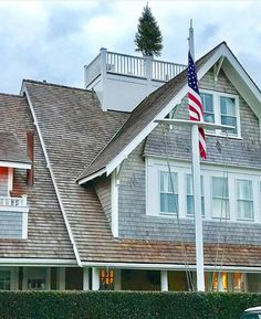 Widows walk perfection Nantucket Island, Crow's Nest, Rooftop Deck, Beach Cottages, Victorian Homes, My Dream Home, Beach House, House Plans, New Homes