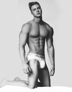 NEW SEXY IMAGES OF ATTILA TOTH BY PHOTOGRAPHER BRIAN JAMIE – THEHUNKFORM