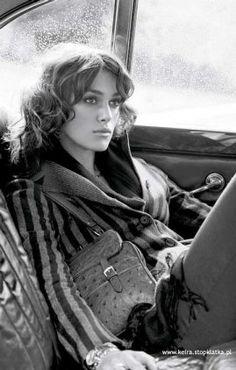 Keira Knightley avec un style un peu vintage, (magnifique haircut)...