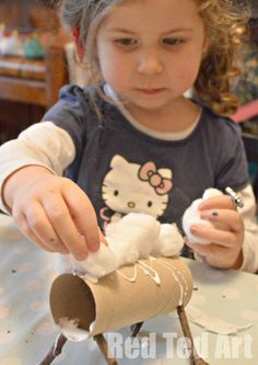 Cardboard Tube Crafts make for an adorable lamb/sheep. Diy Crafts For Girls, Toddler Crafts, Diy For Kids, Farm Animal Crafts, Sheep Crafts, Cardboard Tube Crafts, Toilet Paper Roll Crafts, Bible School Crafts, Sunday School Crafts