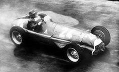 #24 Juan Manuel Fangio (RA) - Alfa Romeo 159 (Alfa Romeo 8S) 1 (1) Alfa Corse / SA Alfa Romeo