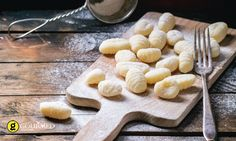 The secret of making the perfect gnocchi comes down to texture. Learn how with a drum sieve, mouli or potato ricer from The Essential Ingredient Newcastle. Gnocchi Sans Gluten, Making Gnocchi, How To Make Potatoes, Potato Ricer, Types Of Cakes, Homemade Pasta, Kitchenaid, Dumplings, Tray Bakes
