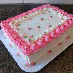 Shared by Find images and videos about pink, wedding and roses on We Heart It - the app to get lost in what you love. Buttercream Cake Designs, Cake Decorating Frosting, Cake Decorating Designs, Creative Cake Decorating, Cake Decorating Videos, Birthday Cake Decorating, Cake Decorating Techniques, Birthday Sheet Cakes, Pretty Birthday Cakes