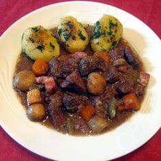 Egy finom Francia (burgundi) marharagu (Boeuf bourguignon) ebédre vagy vacsorára? Francia (burgundi) marharagu (Boeuf bourguignon) Receptek a Mindmegette.hu Recept gyűjteményében! Pork, Cooking Recipes, Meat, Chicken, Foods, Drinks, Beef Bourguignon, Kale Stir Fry, Food Food