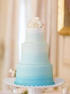 Ombre blue cake: http://www.stylemepretty.com/2015/12/14/the-best-wedding-cakes-of-2015/: