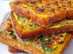 Quick Masala French Toast Recipe - Make this quick and delicious French toast to kick start your weekend on a healthy note. Indian Snacks, Indian Food Recipes, Indian Food Vegetarian, Jain Recipes, Indian Chicken Recipes, Indian Appetizers, Indian Foods, Paneer Recipes, Indian Dishes