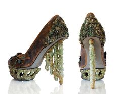 Found on the Titanic. NOPE: It is actually a shoe design by Anastasia Radevich. Anastasia is a Canadian footwear designer of Belarusian origin. Built by Harland & Wolff Rms Titanic, Titanic Photos, Titanic Ship, Titanic Wreck, Titanic Movie, Anastasia, Titanic Artifacts, Crazy Shoes, Weird Shoes