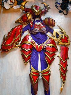 Complete armor cosplay of Shyvana (from League of Legend) Made by Bakasheep…