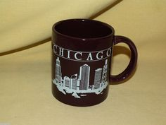 CHICAGO MUG WINDY CITY IL ILLINOIS BROWN WHITE BURGUNDY COFFEE TEA CUP SKYLINE