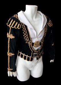Prince Siegfried jacket from Act II (ca. 1977). Photo by Setareh Sarmadi.