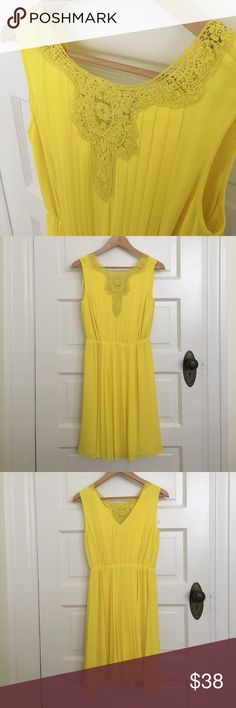Yellow sundress Pretty pleating and lace in a yellow hue that's perfect for all things spring! Size 2. Never worn. Excellent condition! Jessica Simpson Dresses
