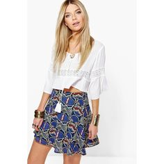 Boohoo Amai Bohemian Print Woven Skater Skirt ($20) ❤ liked on Polyvore featuring skirts, blue, blue skater skirt, midi circle skirt, white skirt, blue skirt and midi skirt