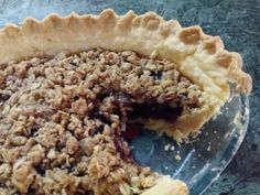 Old fashion cherry crumble pie