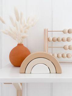 Kids Room Shelves, Nursery Shelves, Rainbow Nursery Decor, Boho Nursery, Rainbow Room Kids, Baby Room Design, Baby Room Decor, Unisex Kids Room, Decoration
