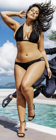 Model Ashley Graham (size is Voluptuousness Personified Sports Illustrated Swimsuit Issue Features Its First-Ever Plus-Size Model! Plus Zise, Mode Plus, Beautiful Curves, Sexy Curves, Modelos Plus Size, Plus Size Beauty, Lingerie, The Bikini, Plus Size Model