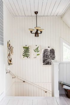 Dear Readers, take some inspiration from this cute renovated Scandinavian country farm outside Karlsborg ( Västergötland) Sweden . Scandinavian Countries, Country Farm, Attic, House Tours, Ikea, Interior Decorating, Wreaths, Design, Inspiration