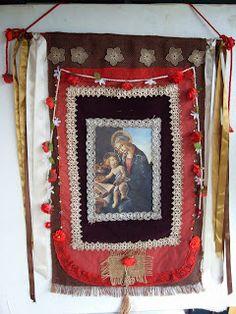 Artes Nívea Semprini: Estandarte Nossa Senhora-Veludo,juta,rosas,fuxicos, fitas e cetim- Tenho pronto-150,00-