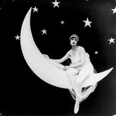 moon moonlight new moon star crescent moon flapper crescent Jazz Age bobbed hair bob haircut paper moon twenties short bob the rolling twenties Paper Moon, Magie Harry Potter, Flapper Girls, Flapper Hair, Moon Photos, Illustration, Luna Lovegood, Flappers, Moon Art