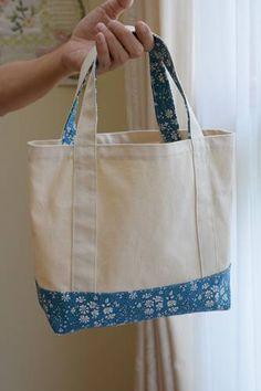 リバティのトートバッグを手作り☆ : happy-go-lucky -心地いい暮らしのコツ- Crazy Patchwork, Patchwork Patterns, Patchwork Bags, Bag Patterns To Sew, Diy Tote Bag, Reusable Tote Bags, Denim Bag, Popular Pins, Handbags