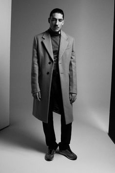 With his high-fashion looks and outspoken views, footballer Héctor Bellerín is breaking the modern sportsman mould, finds Ellie Pithers. Rachel Brown, Tyler Johnson, Paolo Maldini, Suranne Jones, Football Fashion, Christopher Raeburn, High Fashion Looks, Burberry Trench Coat, Normcore