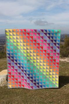 Don't mess with my rainbow - Patchwork und Quilten - Crafts world Flying Geese Quilt, Rainbow Quilt, Half Square Triangle Quilts, Quilt Modernen, Colorful Quilts, Bright Quilts, Paper Piecing, Scrappy Quilts, Star Quilts