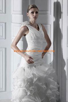 2013 Luxuriöse Brautmode aus Softnetz und Satin mit Schleppe
