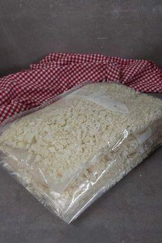 Blumenkohlreis, die beste Keto Beilage ever! Bread, Food, Baked Camembert, Breads, Baking, Meals, Yemek, Sandwich Loaf, Eten