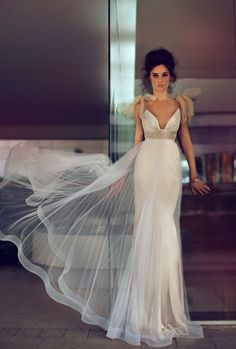 Figure-hugging Zahavit Tshuba wedding dress   The Wedding Scoop Spotlight: Sexy Wedding Dresses