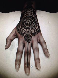 Guy le tattooer hand inspo. #gorgeoushand#guyletattoer