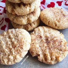 SNICKERDOODLE PROTEIN COOKIES Protein Cake, Protein Cookies, Healthy Cookies, Protein Foods, Healthy Desserts, Protein Recipes, Healthy Food, Healthy Recipes, Gluten Free Baking
