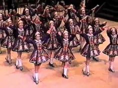 """""""An Irish Loom"""" performed by dancers from the Drumcliffe School of Irish Dance in 2003.  AMAZING choreography by Eddie Murphy"""